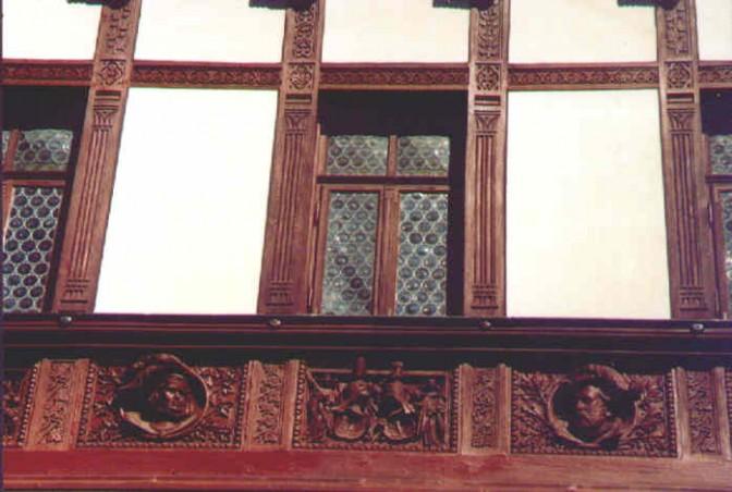 Fachwerk-Kunst am Schloss