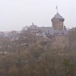 Solingen: Schloss Burg im Regen