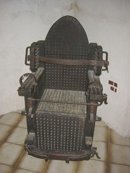 Folterstuhl-1
