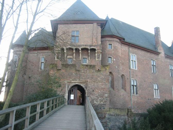 Brücke zur Burg Linn
