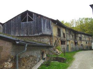Ehemalige Wirtschaftsgebäude der Vorburg von Burg Dollnstein (Foto: Bernhard Eder)