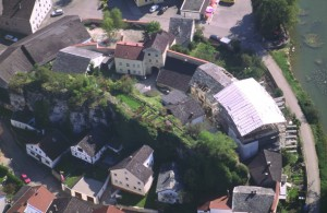 Burg Dollnstein: Luftbild der Anlage (Foto: Rudolf Hager/Michael Hoedt)