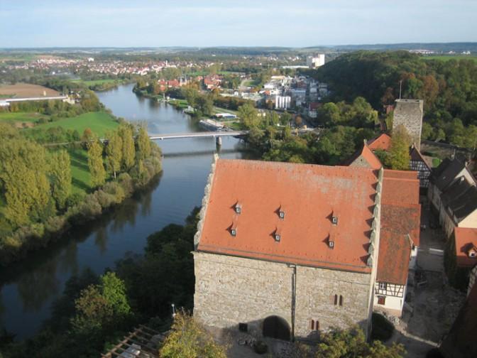 Bad Wimpfen: Blick von einem der Türme auf den Neckar / Foto: Burgerbe,de