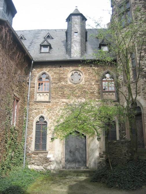 Burg Lahneck: Der Innenhof