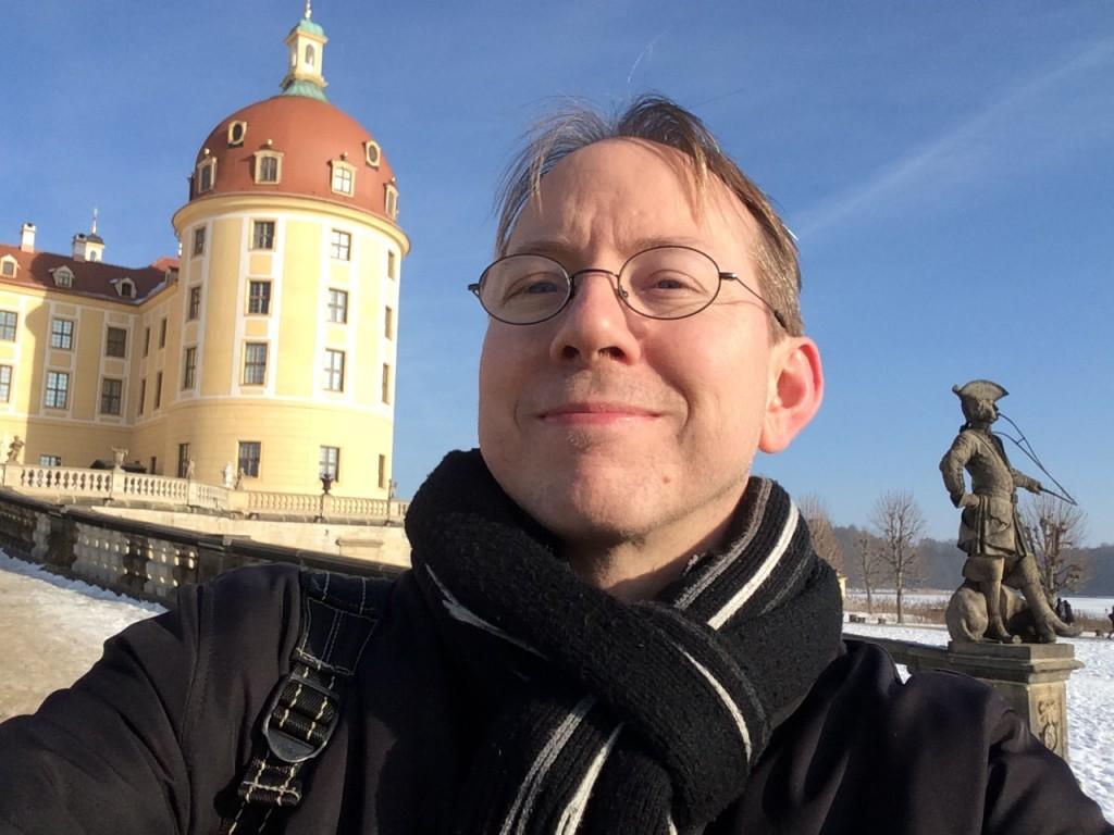 Winter-Selfie: Burgerbe-Jan vor Schloss Moritzburg.