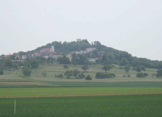 Die Veste Otzberg auf ihrem Vulkankegel