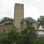 Burg Blankenstein: Erbaut über dem Land des toten Mörders