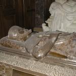 Adel, Burgen & Friedhöfe: Repräsentation nach dem Tod