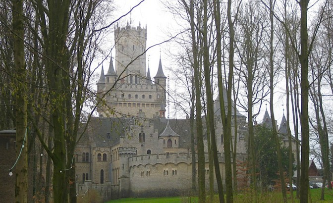 Schloss Marienburg bei Hannover soll verkauft werden. Fotos: Burgerbe.de