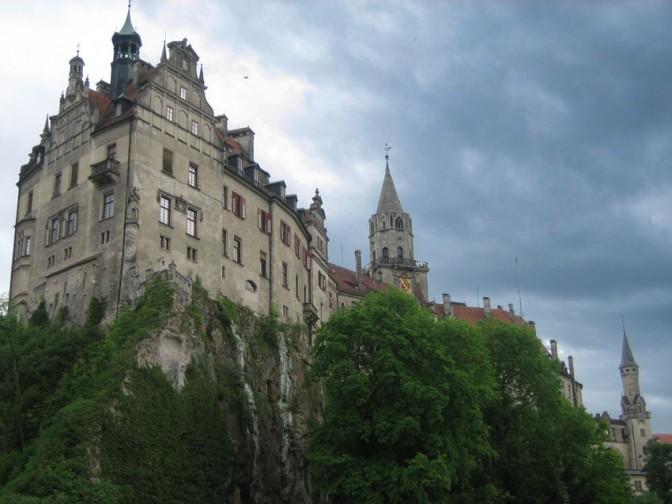 Dunkle Woken über Schloss Sigmaringen / Foto: Burgerbe.de