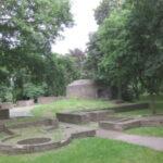 Per Paddelboot zur Ruine von Burg Wachtendonk