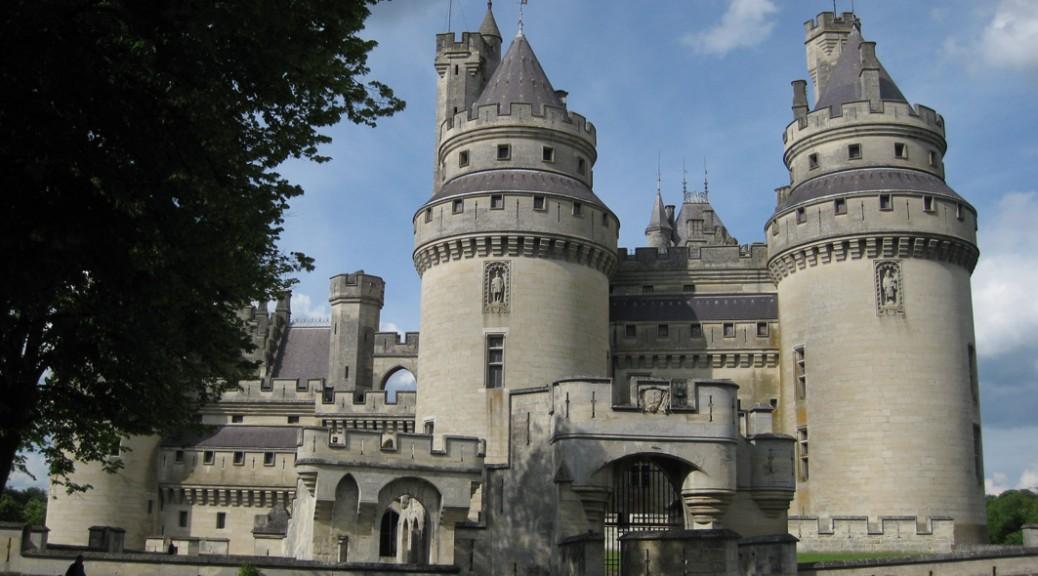 chateau de pierrefonds frankreich