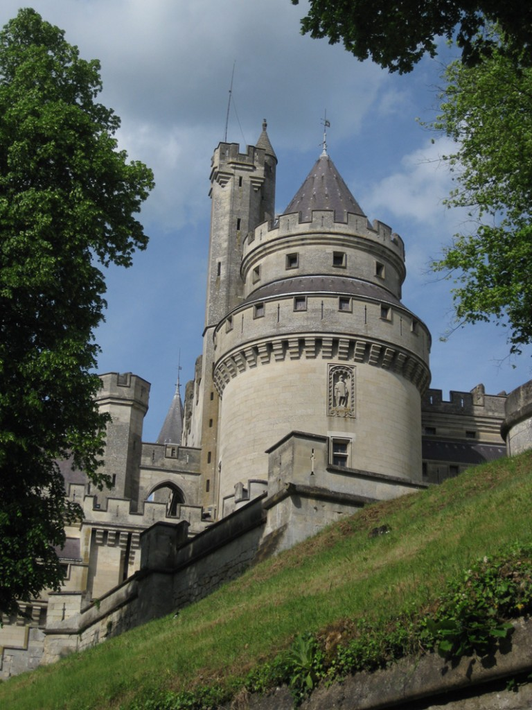 Rundtürme prägen Schloss Pierrefonds