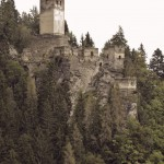 Burgruine Hochkraig und der Fluch des Hakenkreuzes
