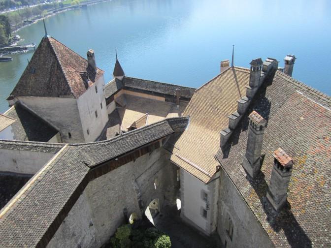 Schloss Chillon: Blick vom Bergfried auf den Genfer See.