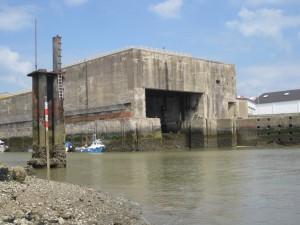 Der Schleusenbunker (mit U-Boot Espadon)
