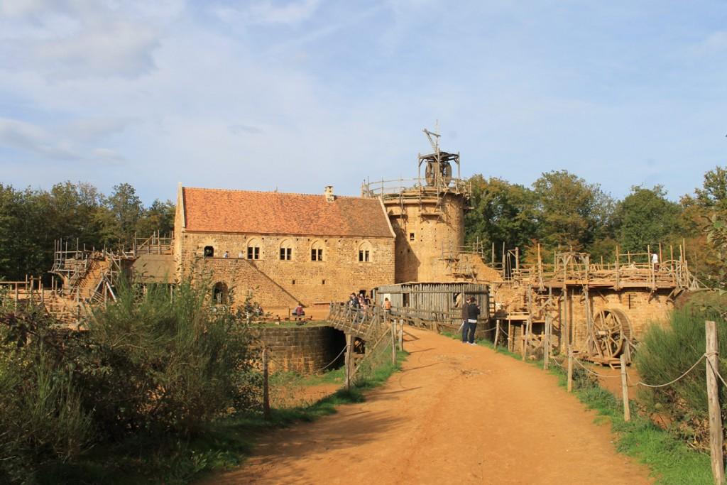 Burgenbau in Frankreich: Guedelon