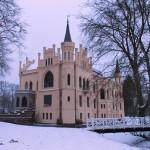 Die Evenburg: Ein Zuckerbäckerschloss in Ostfriesland