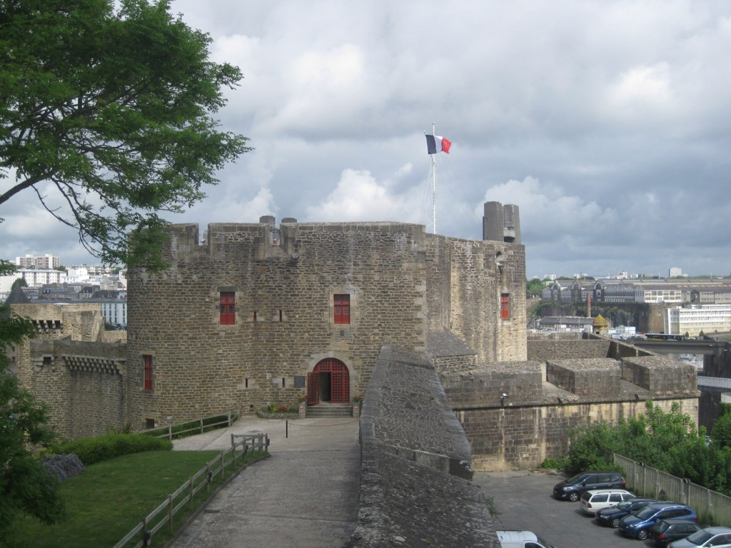 Das Chateau von Brest in der Bretagne: Sitz des Marinemuseums. Fotos: Burgerbe.de