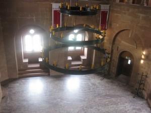 Saal und Kronleuchter