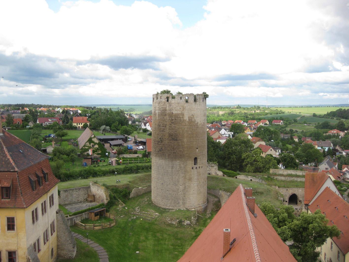 Auf Burg Querfurt wird gegraben: Blick auf den Dicken Heinrich / Foto: Burgerbe.de