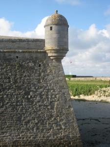 Die Mauern der Festung Port Louis