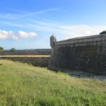 Port Louis: Zitadelle vor dem U-Boot-Bunker Lorient