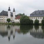 Schloss Blankenhain: DDR-Flugzeug parkt im Hof