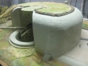 Modell eines der vier eingebunkerten Geschütze der Batterie Todt