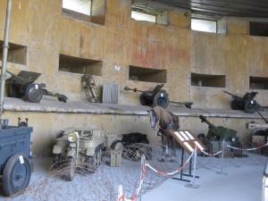Ausstellung im Inneren des Geschützbunkers