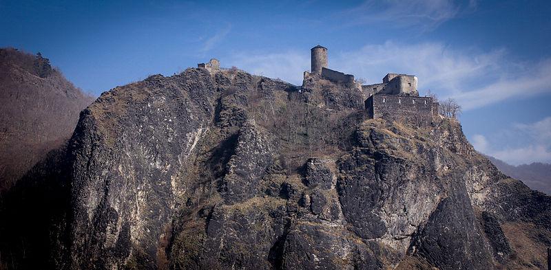Die Überreste von Burg Schreckenstein in Tschechien an der Elbe  Foto: Wikipedia/Timmy1605/CC-BY-SA 3.0