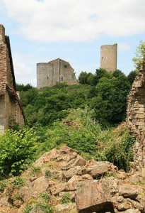 Chateau Chalus-Chabrol: Bei der Belagerung der Burg wurde Richard von dem Armbrustbolzen getroffen / Foto: Wikipedia/Fonquebure
