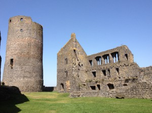 Burg Münzenberg: Palas und Bergfried