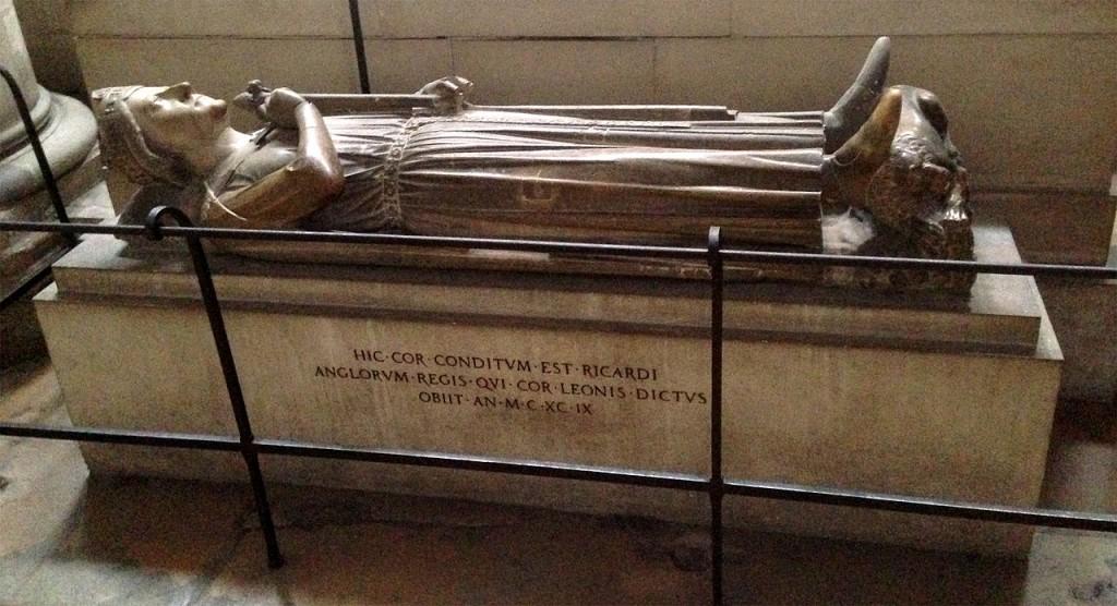 Das Grab mit dem Herz von Richard Löwenherz in der Kathedrale von Rouen. Foto: gemeinfrei