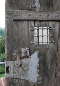 Kunstvolle Türbeschläge auf Burg Trausnitz
