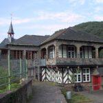 Verpackte Burg Bischofstein: Hausbock ist ausgeräuchert