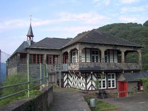 Burg Bischofstein: Der obere Burghof