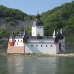 Burg Pfalzgrafenstein: Zollfeste des gebannten Kaisers