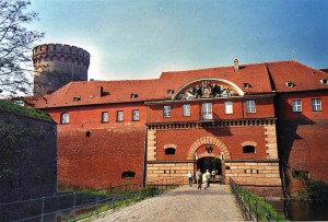 Die Spandauer Zitadelle mit dem Juliusturm