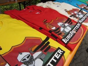 Geld aus dem T-Shirt-Verkauf fließt in die Burg-Sanierung