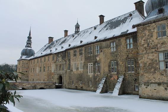 Das Wasserschloss Lembeck: Eis bitte nicht betreten