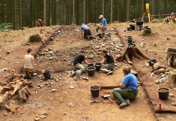 Die Kürzung würde auch Archäologische Grabungen betreffen. Foto: Wikipedia/Axel Hindemith