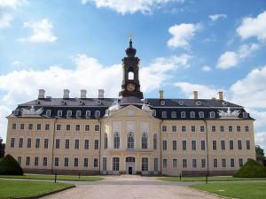 """Schloss Hubertusburg - Die Preußen waren auf das """"sächsische Versailles"""" neidisch / Foto: Wikipedia/Andre Kaiser"""
