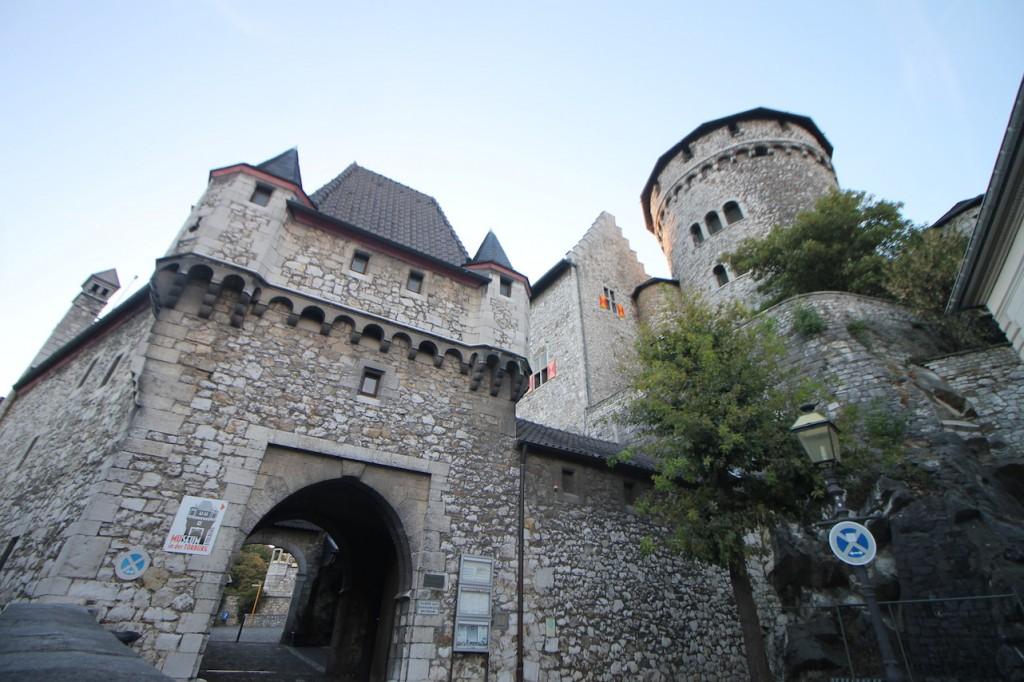 Tor zur Burg Stolberg über Stolberg bei Aachen / Fotos: Burgerbe.de
