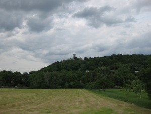 Dunkle Wolken über der Mühlburg