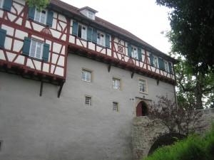 Schloss Gomaringen: Eingansbereich mit Fachwerketagen