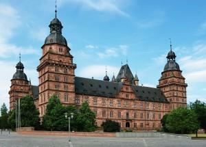 Schloss Johannisburg am Mainufer / Foto: Wikipedia/Thomas Zimmermann (THWZ)