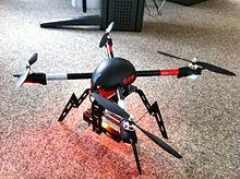 Ein Modell-Quadrokopter / Foto: Wikipedia/Karlhorn