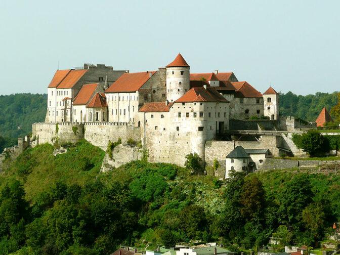 Burg Burghausen: Die längste Burg Europas / Foto: JJacquesverlaeken
