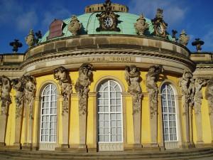 Der Mittelbau von Schloss Sanssouci / Foto: Wikipedia/Suse